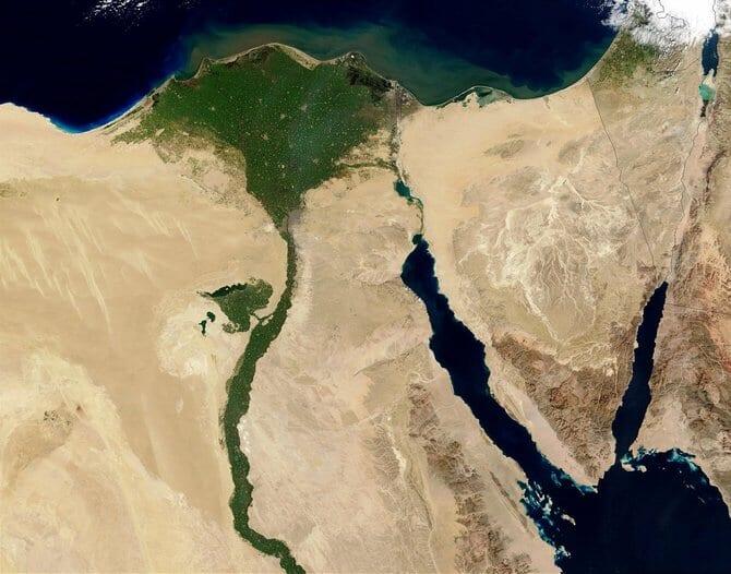 ナイル川流域の衛星写真